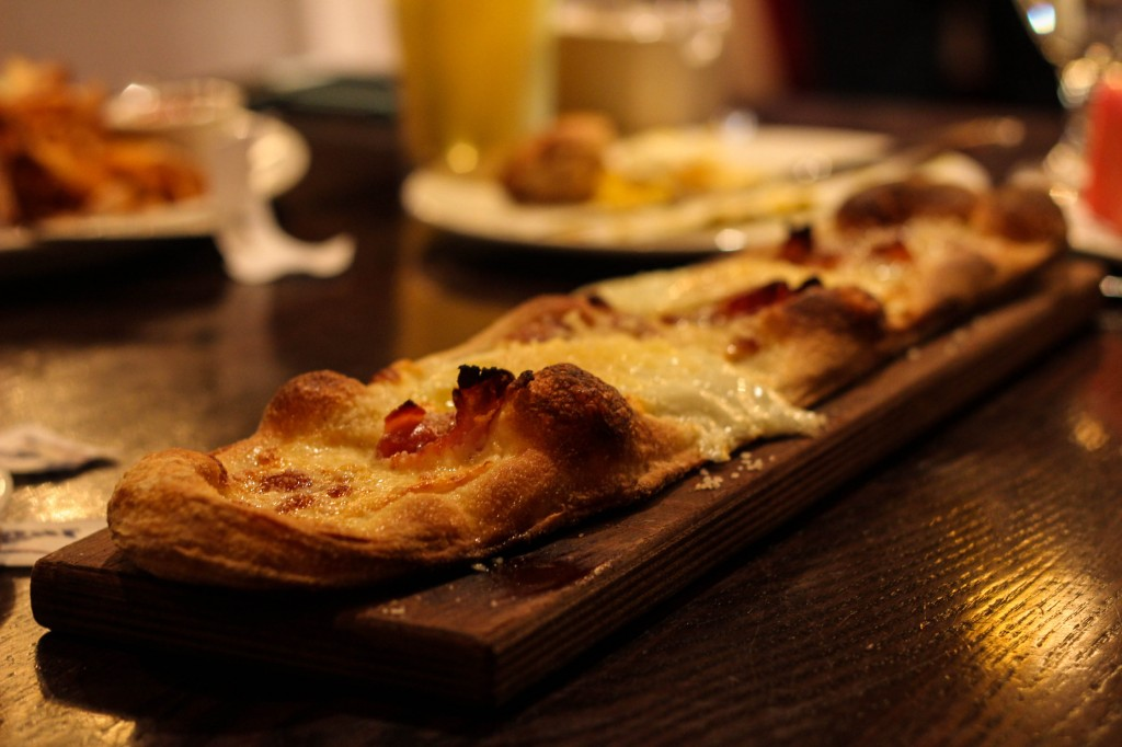 Brunch for Father's Day at The Foundry--breakfast flatbread
