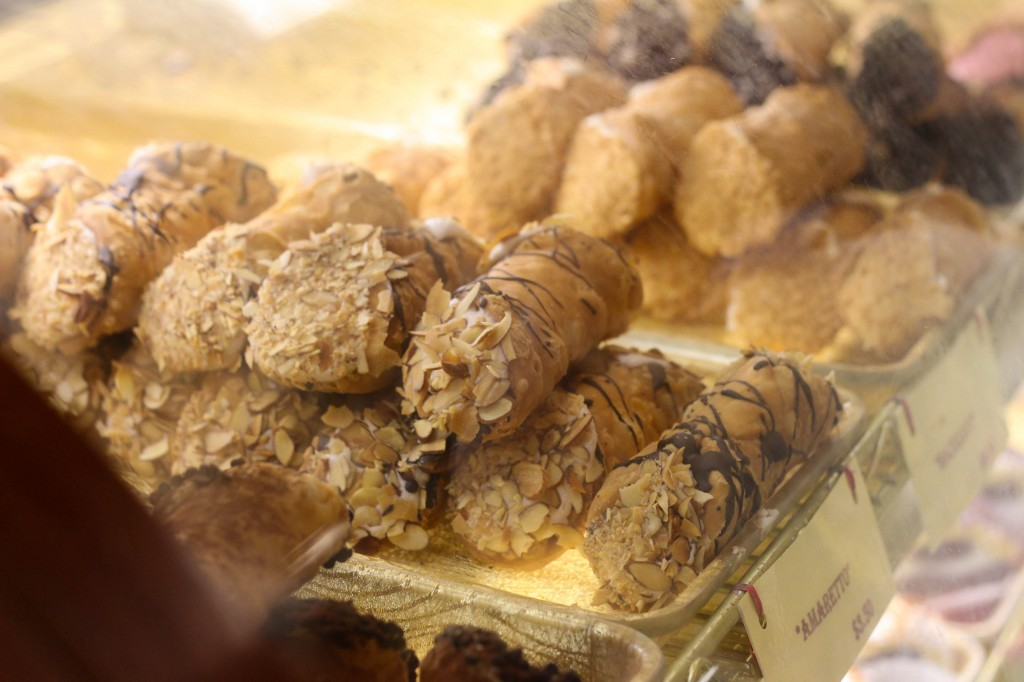 Cannolis on display at Mikes Pastry