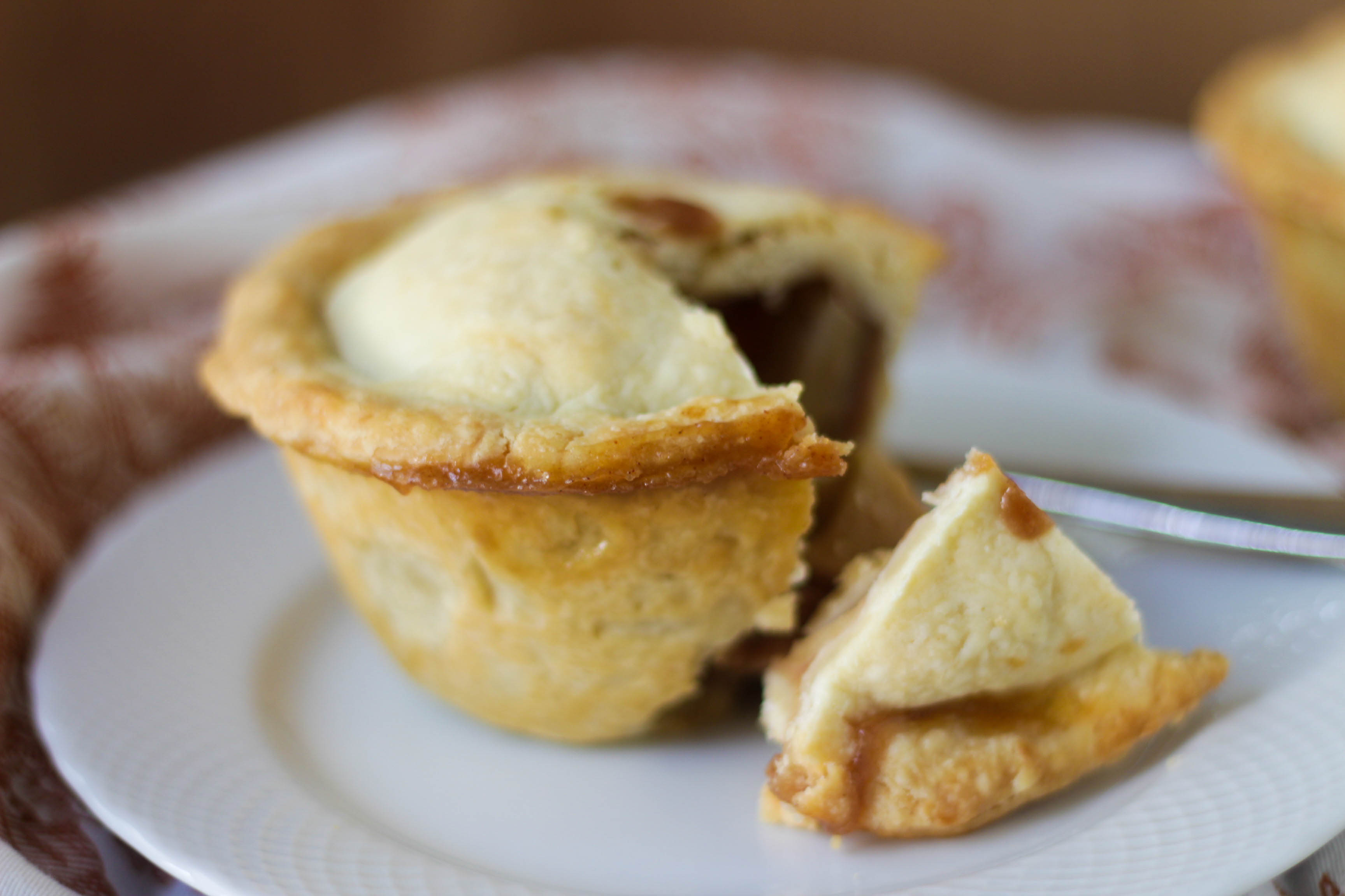 Caramel Apple Pot Pie | umami holiday.